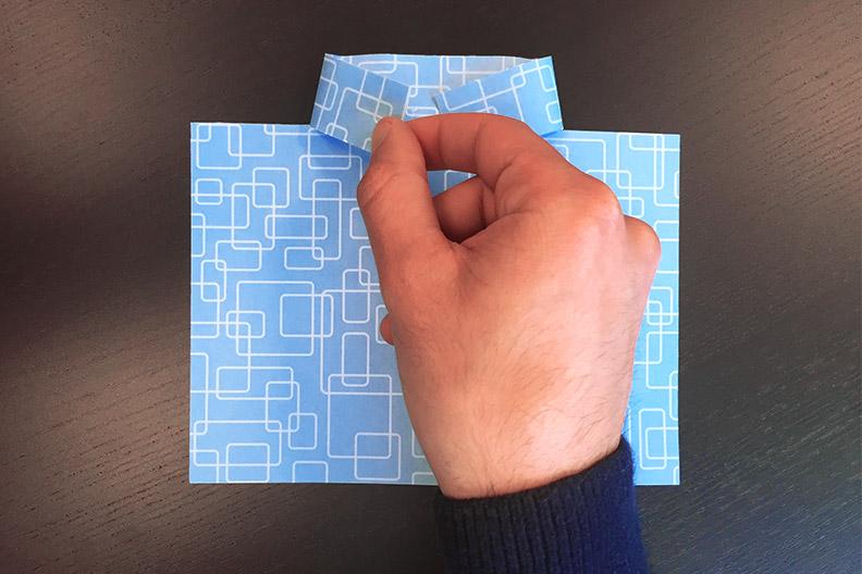 Fold the collar flaps